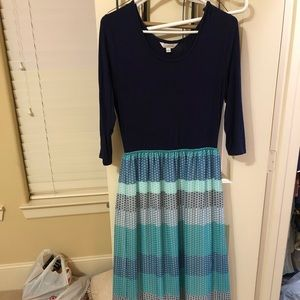 MAXI DRESS- SMALL